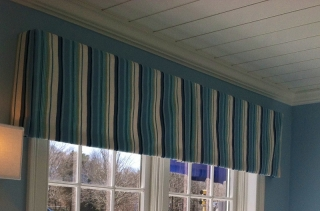 Valance of vertical striped pattern